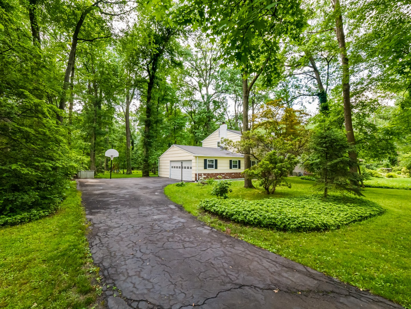11 South Drive Yardley PA 19067